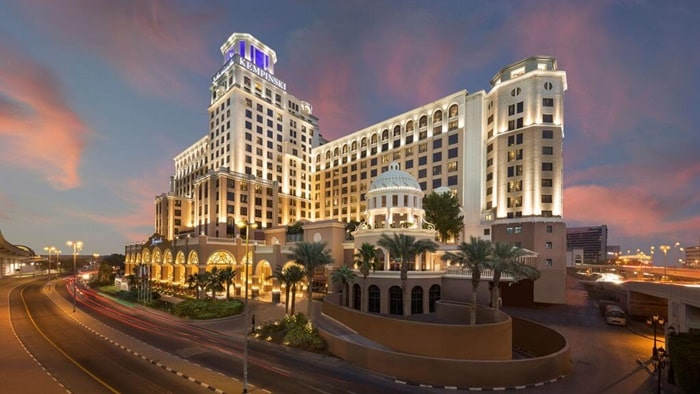 How much is the 7 star hotel in Dubai per night