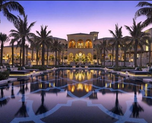 What is the most famous hotel in Dubai