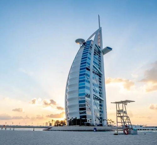 What is the most luxurious hotel in Dubai