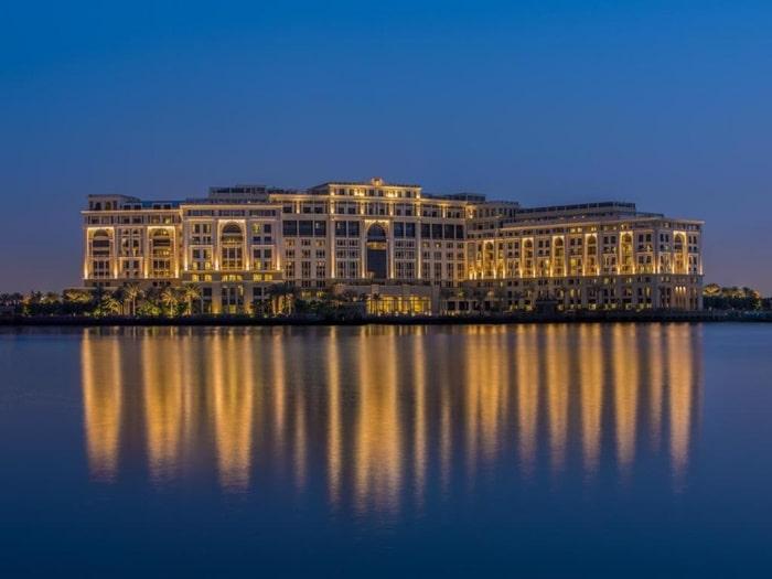 Where do celebs stay in Dubai